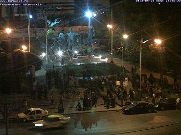 Live HERE: http://jurnalul.ro/webcam/piata-universitatii-teatrul-national-308.html