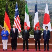 """G7, finalul: Naivitatea Europei şi mirajul lui """"şase contra unul"""" Trump şi Merkel au """"fugit"""" de la Taormina ignorând presa"""