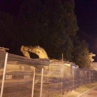 A început demolarea Uzinei 1 Mai din Ploiești. În locul fabricii se va construi un mall - FOTO