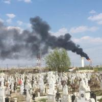 Garda de Mediu Prahova, în control la Lukoil, pentru fumul gros de ieri. Acum așteaptă finalizarea verificărilor
