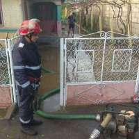 Dezastru în Prahova, după furtuna cu grindină. Pompierii scot apa din gospodării - MagnaNews
